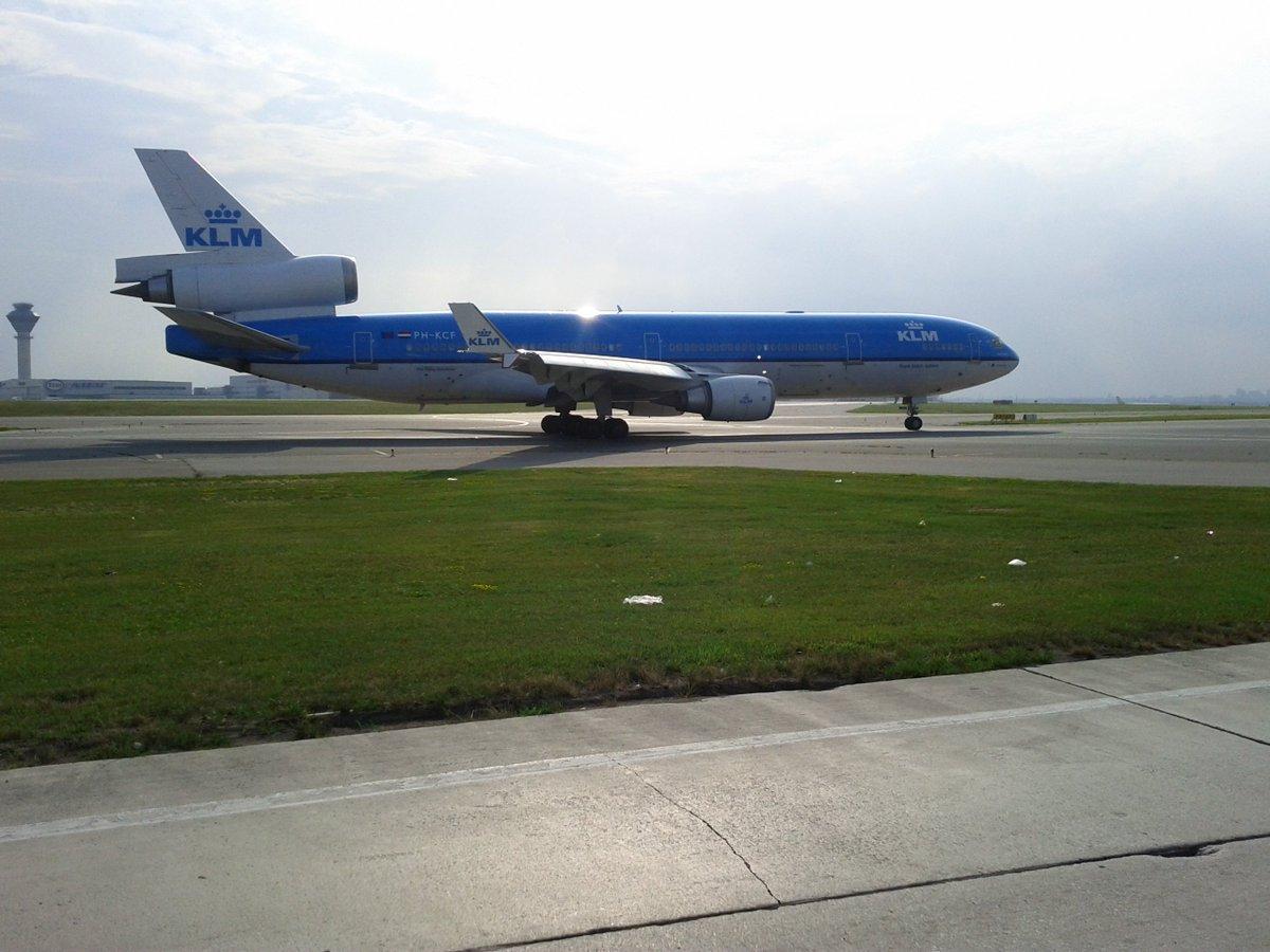 McDonnell Douglas MD-11 - KLM PH-KCF @KLM @avgeekyyz #klm #MD11 #avgeekyyz #avgeek  #planespotting #holland #dutch<br>http://pic.twitter.com/3dVPwdcOAh