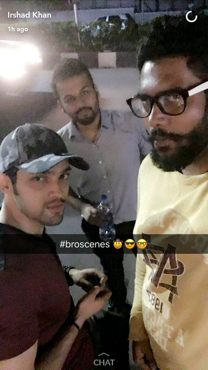 2017 05 parth samthaan family -  Broscenes Parth Samthaan With His Friends Parthsamthaan Punediary Shared By Irshad Khan Http Pic Twitter Com Qixrb6frqj