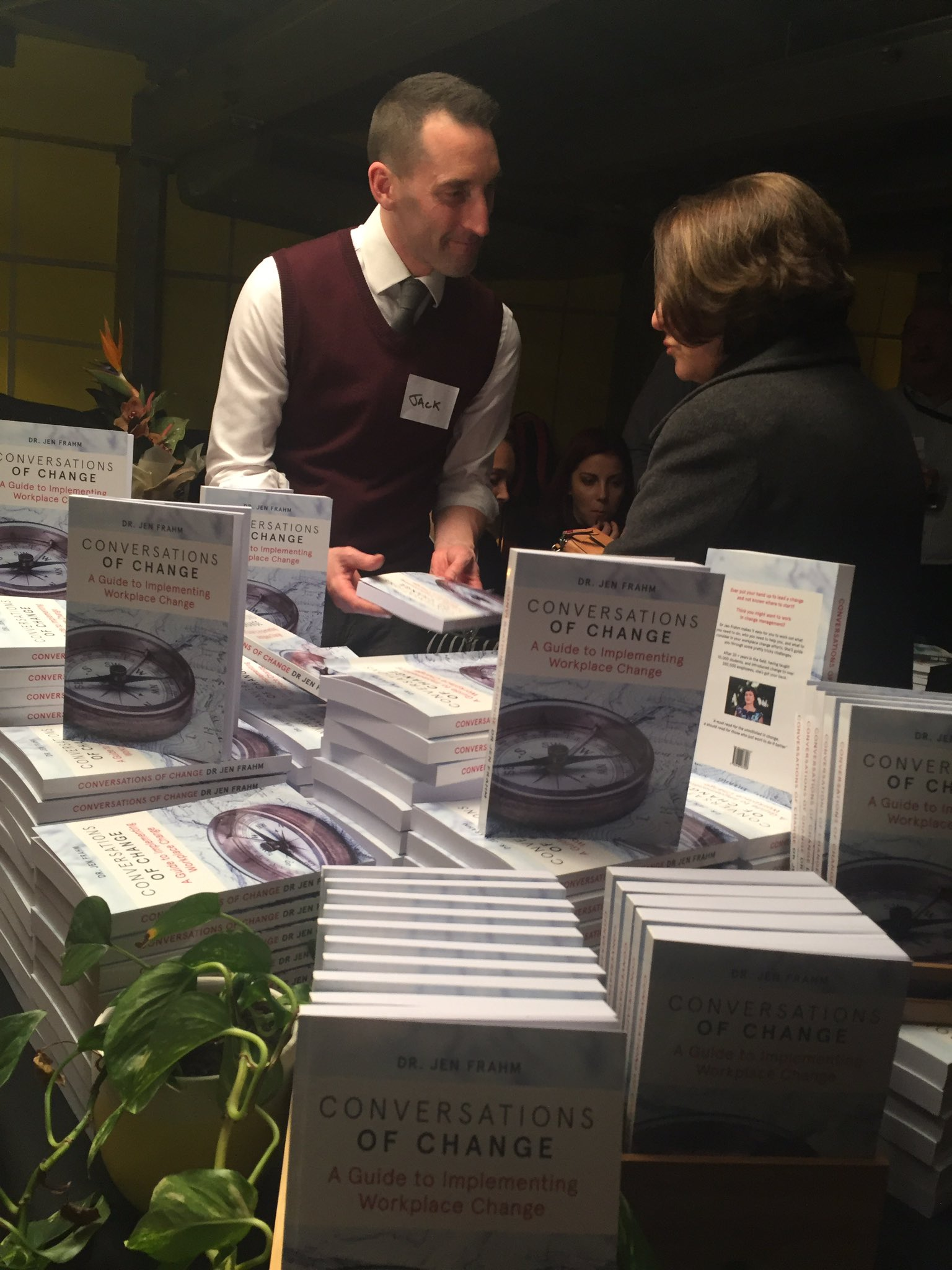The lovely @Dunstanet taking care of  book 📚 sales #brainpickerslive #jointhechange https://t.co/C27ykIGyDf