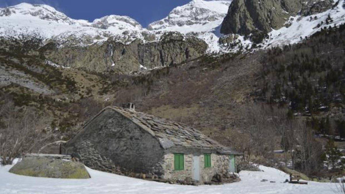 Así es la verdadera Cabaña del Turmo, el mítico refugio del pop español #20deAbril #CeltasCortos   http:// rrss.abc.es/pewic4    pic.twitter.com/axozcvLeUT