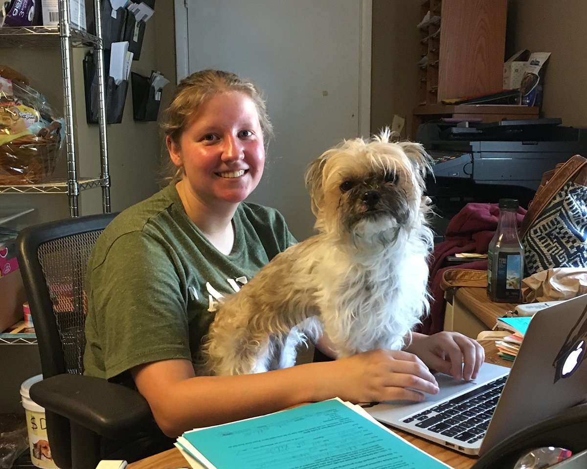 Its National Intern Day! This summer we welcomed Natalia of SUNY Cobleskill. We want 2 thank her 4 picking Pets Alive. #SUNYInternDay https://t.co/n0c2rd12af
