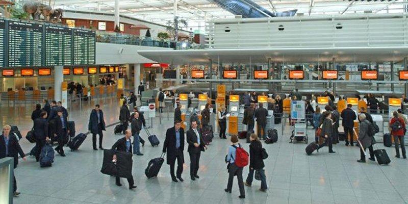 Real və Bavariya aeroportda bir matçda qarşılaşacaq.