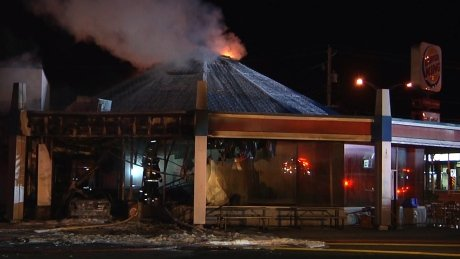 Quebec driver allegedly plows car into empty Burger King, sparking huge fire https://t.co/1ghkoc94Yz