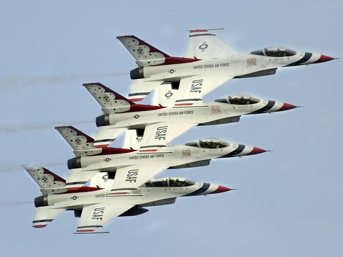 The @USAirForce at 70: From the first jets to stealth #aircraft  http:// cnet.co/2uX6Cqq  &nbsp;  <br>http://pic.twitter.com/LqfnXLUxkF