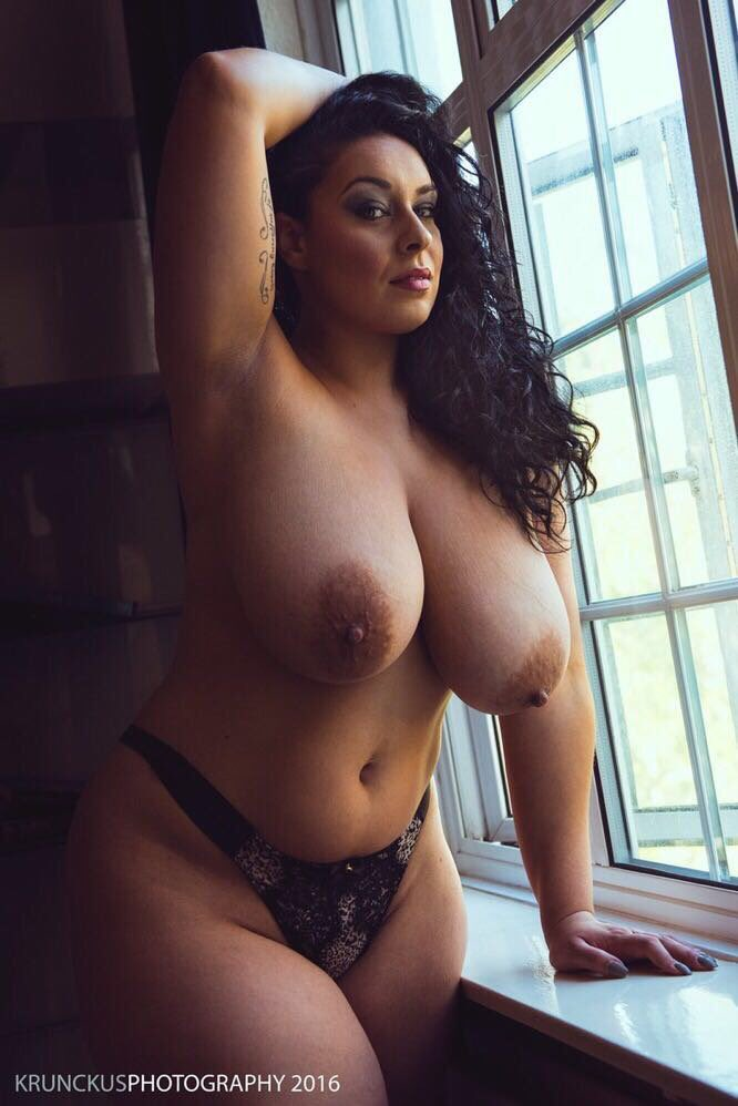 Thick curvy busty naked women
