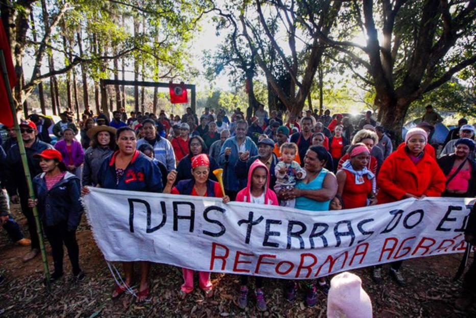 MST ocupa fazenda de Eike Batista em Minas Gerais https://t.co/KIZsgx8Tm4