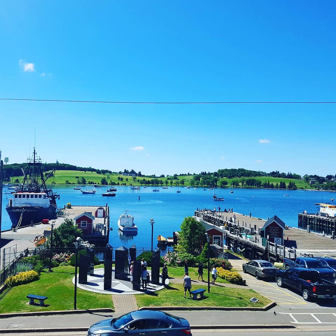 If you are not in #Beautiful_NS yet, what are you waiting?  A very nice day in Lunenburg #NS <br>http://pic.twitter.com/8Oai8chpD9 &ndash; bij Lunenburg