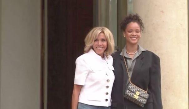 Rihanna accueillie par Brigitte Macron à l'Élysée https://t.co/CoU3mXfnsY