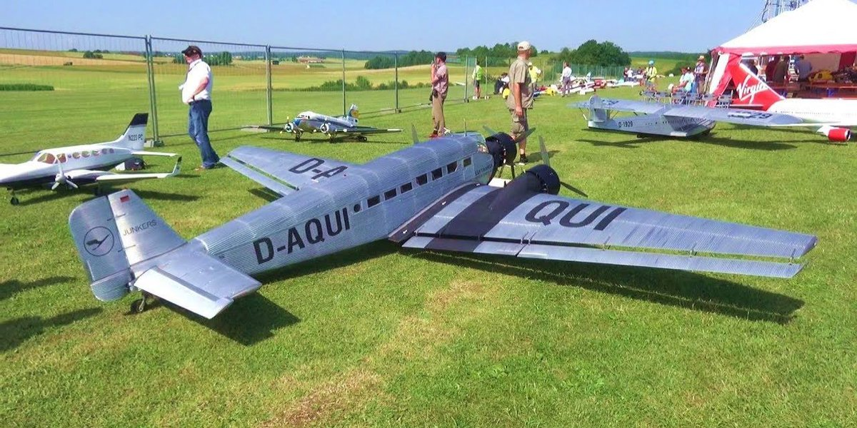 Watch this huge RC plane meet an unfortunate end https://t.co/SydNXMChFH