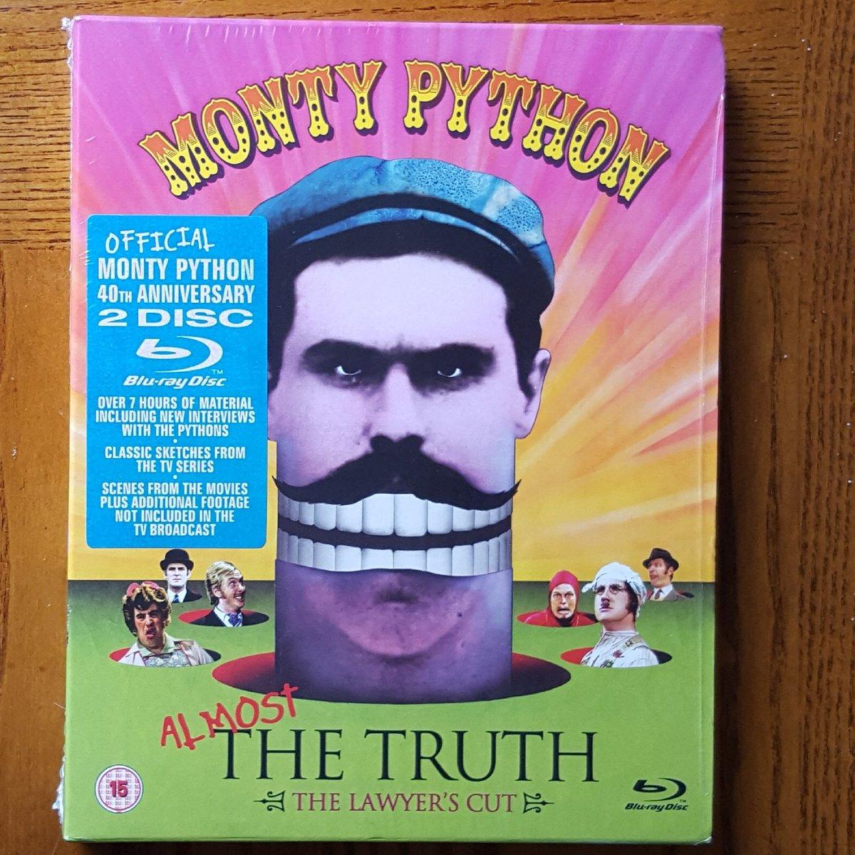 @montypython Currently watching #MontyPython #EricIdle #JohnCleese #MichaelPalin #GrahamChapman #TerryJones #TerryGilliam<br>http://pic.twitter.com/MHC9Nx6bQL
