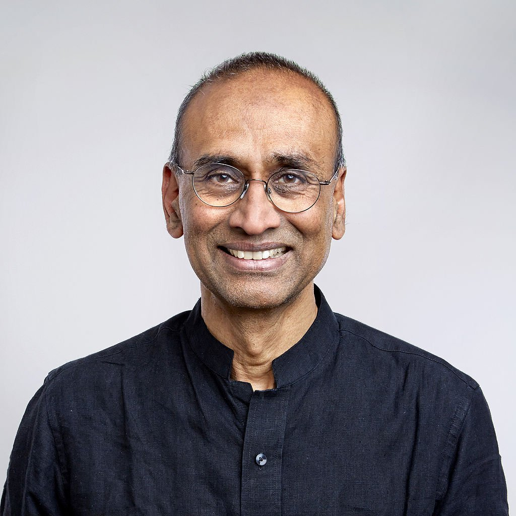 &quot;Science is global &amp; depends on a free flow of people,&quot; says Sir Venki Ramakrishnan PRS  http:// ow.ly/8lko30cxY1m  &nbsp;   #ScienceIsGlobal <br>http://pic.twitter.com/CYrHo2AaI1