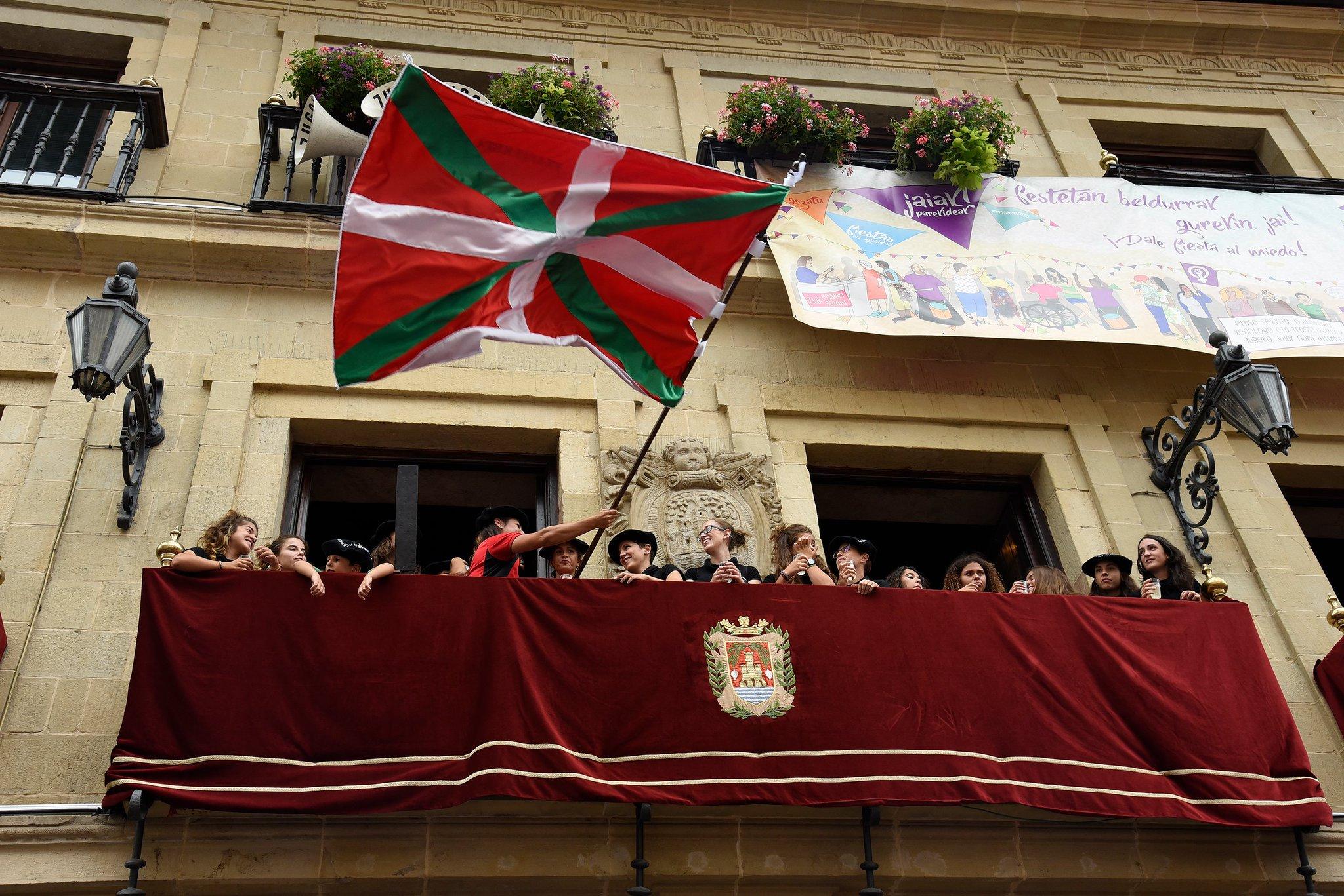 Las chicas de Hibaika campeonas de Euskadi https://t.co/DRUjFej3e8 #Madalenak2017 https://t.co/fy6HQV88uc