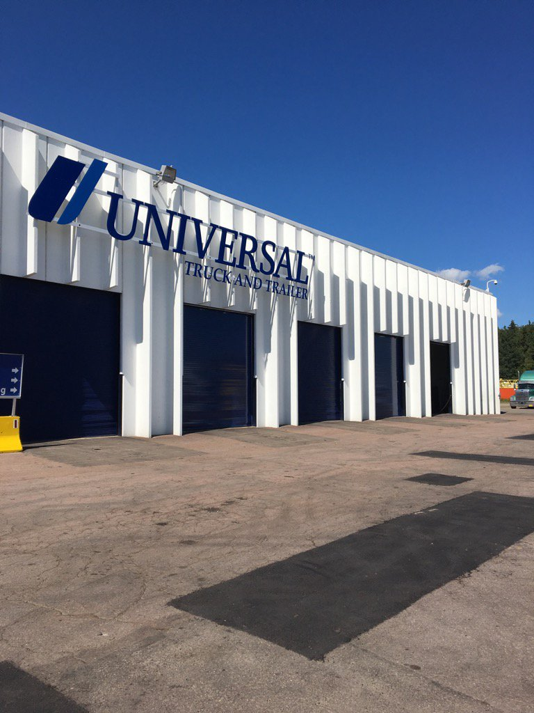 Congrats to our exceptional team at Universal #Truck &amp; #Trailer. Just recertified as @freightliner Elite Service<br>http://pic.twitter.com/5jM4BMxTrm