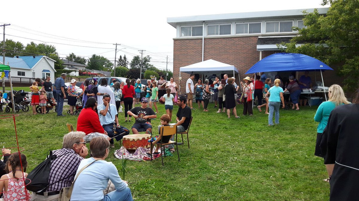 Food, drumming and #community at the Harvest Market celebration of Indigenous peoples. Today until 5:30pm at 31 Weller Ave #ygk<br>http://pic.twitter.com/eDK3KF748B