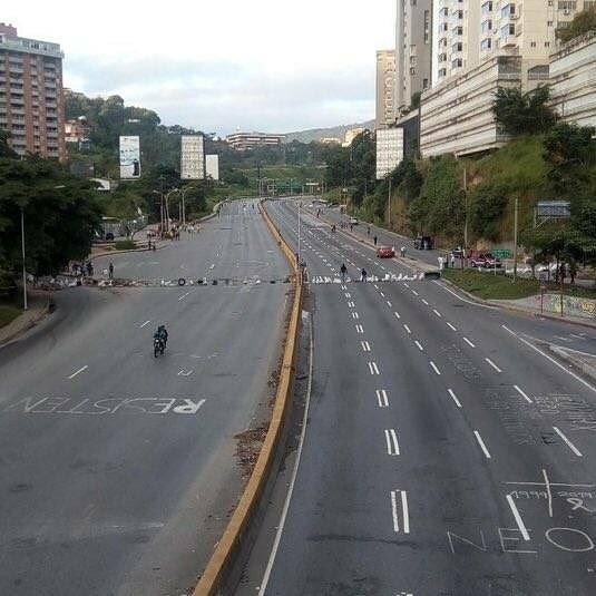 #Venezuela FYI: 48 hr #ParoCivicoActivo  #26Jul shuts down #Caracas.  <br>http://pic.twitter.com/iLuSlc00zh