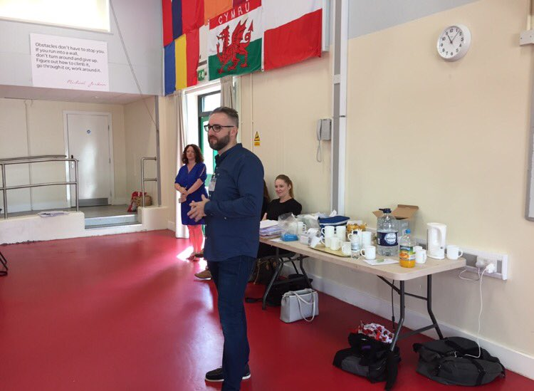 The fab @BIGDaddyPRUK talked to students about #socialmedia. &quot;Don&#39;t post what your mum don&#39;t wanna see.&quot; What&#39;s your social media #advice? <br>http://pic.twitter.com/bsyuU9Xb9f