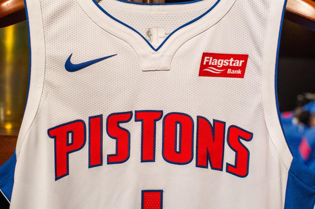 Los Detroit Pistons presentaron su camiseta Nike y su nuevo patrocinador