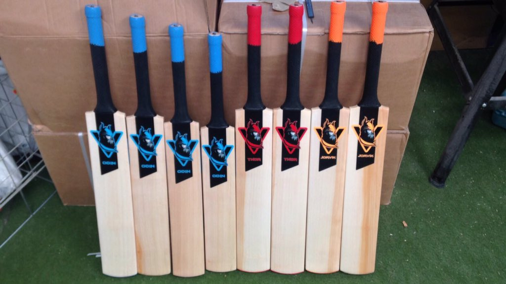 Here is another preview of the batch of Viking bats. Some good looking adult and junior bats! #handmade #Yorkshire #Viking #cricket #bats<br>http://pic.twitter.com/mILmLcMn3z