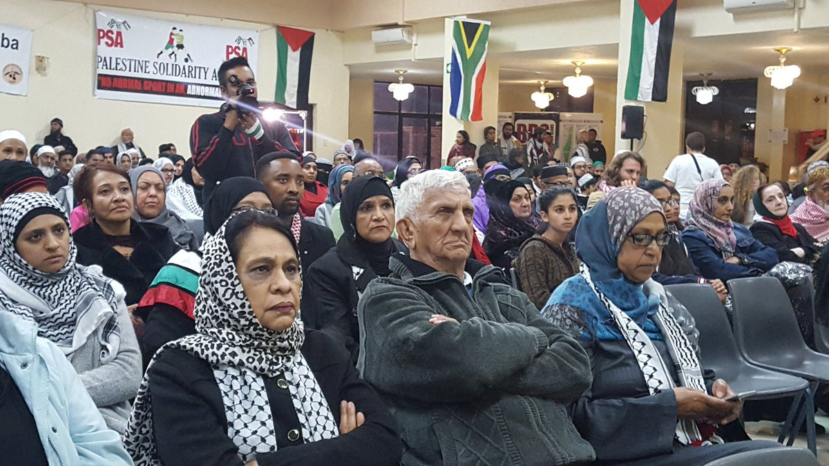 Robben Island prisoner and anti-apartheid activist, @LalooChiba, at the #AlAqsa rally in Lenasia, South Africa. #palestine <br>http://pic.twitter.com/pSo1pdysd5