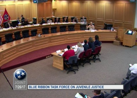 We're live tweeting second meeting of the TN Blue Ribbon Task Force on Juvenile Justice. @pewtrusts presenting assessment of #TNJuvJustice https://t.co/v8Y6QIp3Jn
