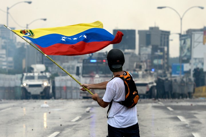 Demand freedom and justice for Venezuelans who have been illegally detained. They will not be #SilencedByForce. https://t.co/qqkOVuGL1B
