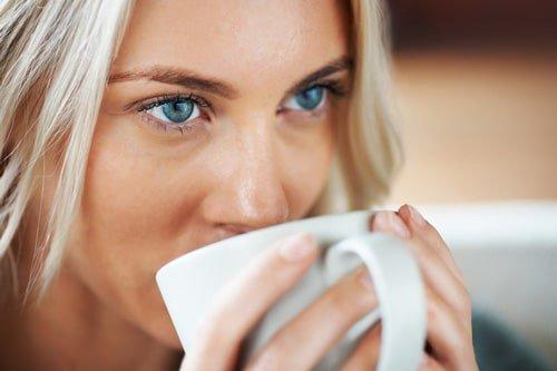 13 Health Benefits of Coffee   via  http:// bit.ly/1ReWLz0  &nbsp;    #WellnessWednesday #coffee #health #food #drink #healthy<br>http://pic.twitter.com/mxAYvBqRNC