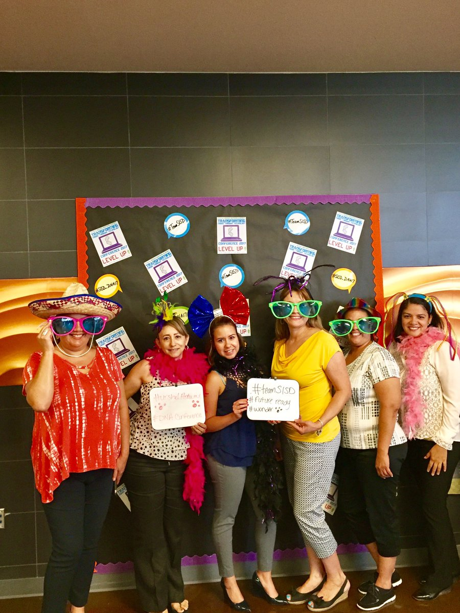 Fun photo booth for teachers at #sisd_dna17 #teamantwine #TeamSISD #wonder  <br>http://pic.twitter.com/v5UtXBwAkn