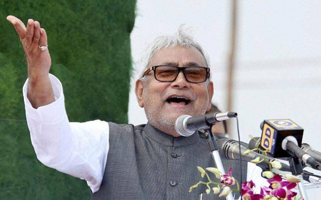 Nitish Kumar gives list of 132 MLAs to Governor, to be sworn in CM in Bihar at 10 am  https://t.co/jFGMuSgZAJ