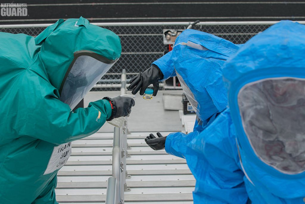 #STEM Soldiers trained on how to handle #chemical, #radiological, #biological, #and nuclear (CBRN) threats and events. Join the team, DM us.<br>http://pic.twitter.com/JgcFquitKx
