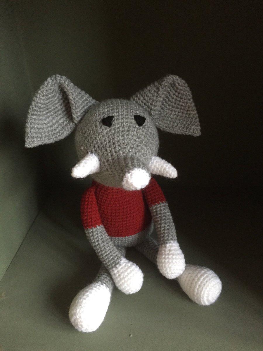 Little elephant looking for a herd to join.  http:// crwd.fr/2uv4Cmx  &nbsp;   #handmade #FlockBN #etsy #TWDA #mummybloggers #uksopro  #eshopsuk<br>http://pic.twitter.com/9RKYRcjEPH