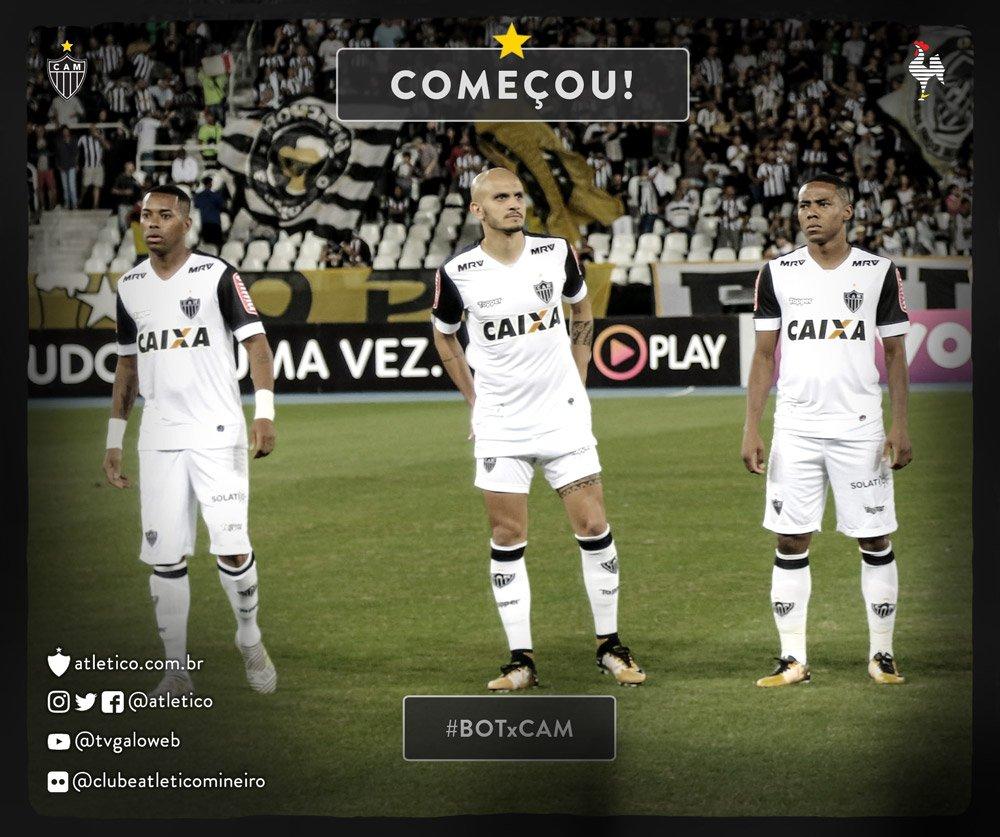 Bola rolando! Começa o jogo no Rio de Janeiro! Vamos, #Galo! #BOTxCAM