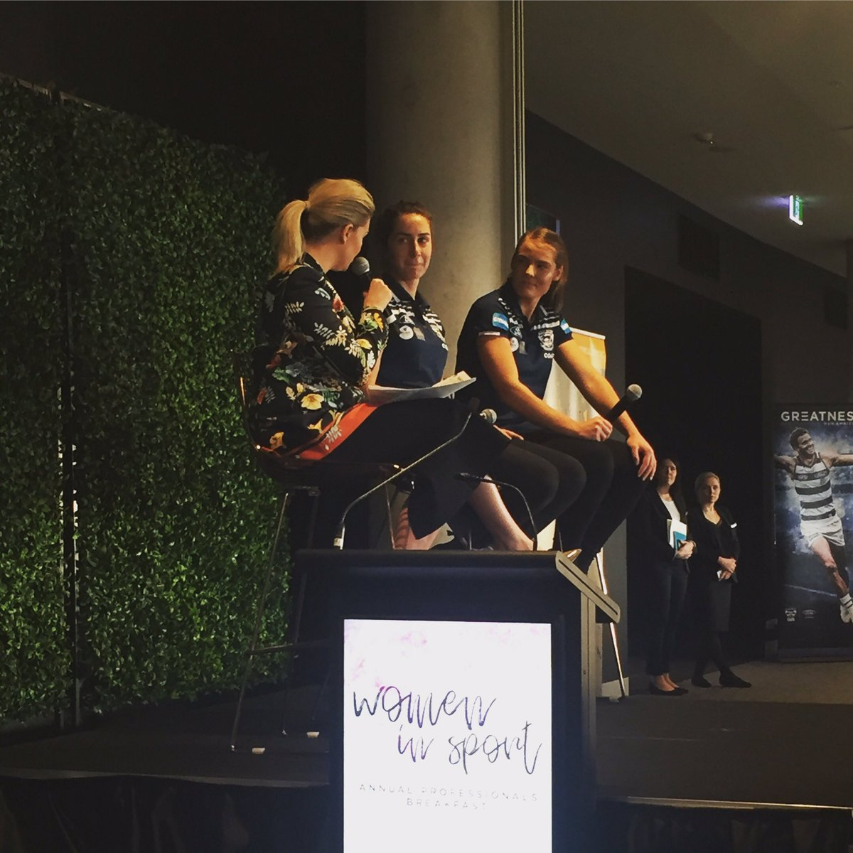 Inspirational to hear from @geelongcats VFLW Stars at the Women in Sport Breakfast #community #mfl2017<br>http://pic.twitter.com/O1NHWMlZU5
