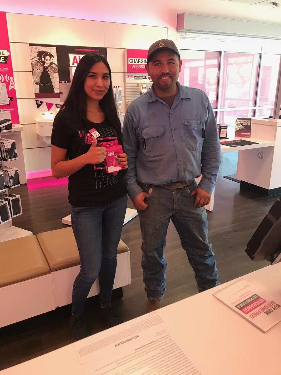 #Explore&amp;Discover Customer wanted to be able to monitor his work truck so we offered the sync up🖒 @AbbyGBaby23 @Davesito_ @nazarma<br>http://pic.twitter.com/fNwri6RkF3