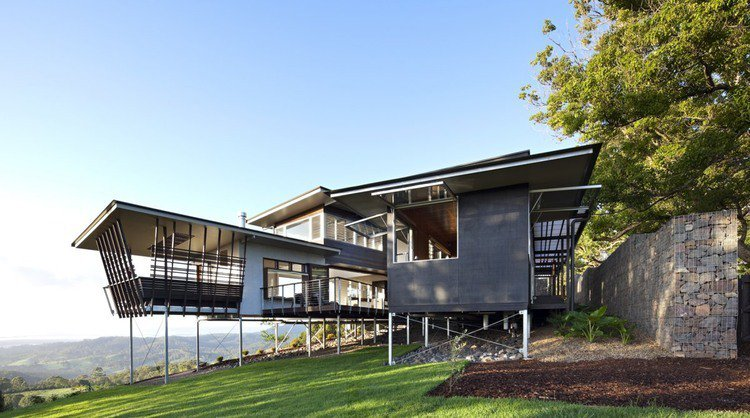 The Maleny House by Bark Design Architects |  http://www. homeadore.com/2014/04/14/mal eny-house-bark-design-architects/ &nbsp; …  Please RT #architecture #interiordesign <br>http://pic.twitter.com/w11Pp4EUyk