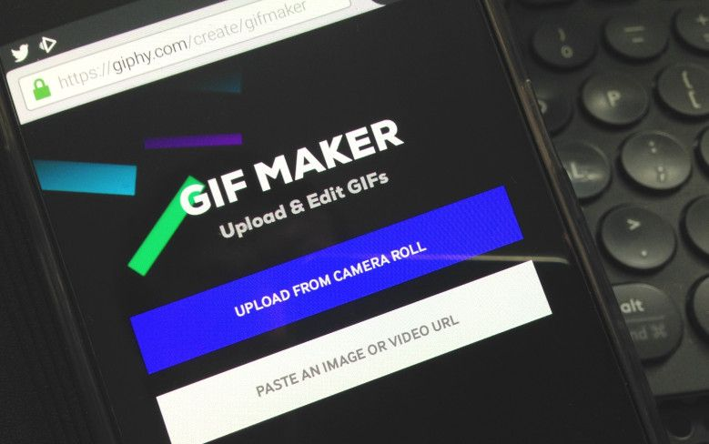 .@Giphy launches its GIF Maker tool for mobile browsers. venturebeat.com/2017/07/25/gip…