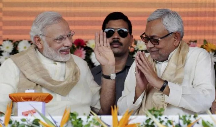 ... http://www.abplive.in/india-news/bihar-nitish-kumar-to-take-oath-at-10-am-on-thursday- rjd-also-stakes-claim-to-form-government-557033 …pic.twitter.com/ ...