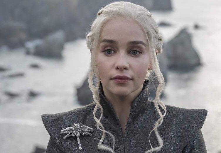 Where does Daenerys Targaryen get all her clothes?! https://t.co/SCIvkzWPZY https://t.co/mh73ATslXC