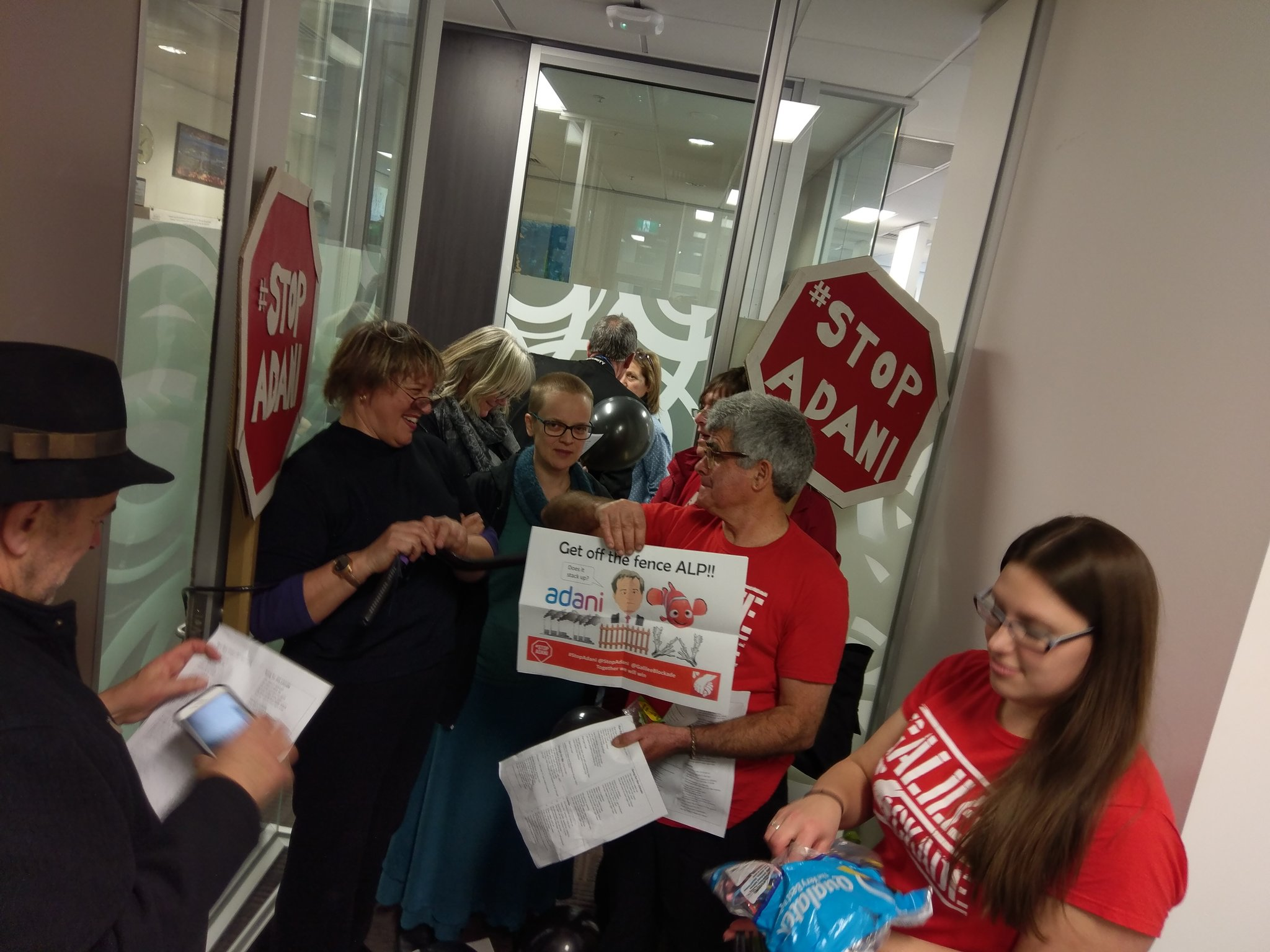 Occupation at Shorten's office. Time to pull the splinters out! #StopAdani https://t.co/jqywHLTrnZ