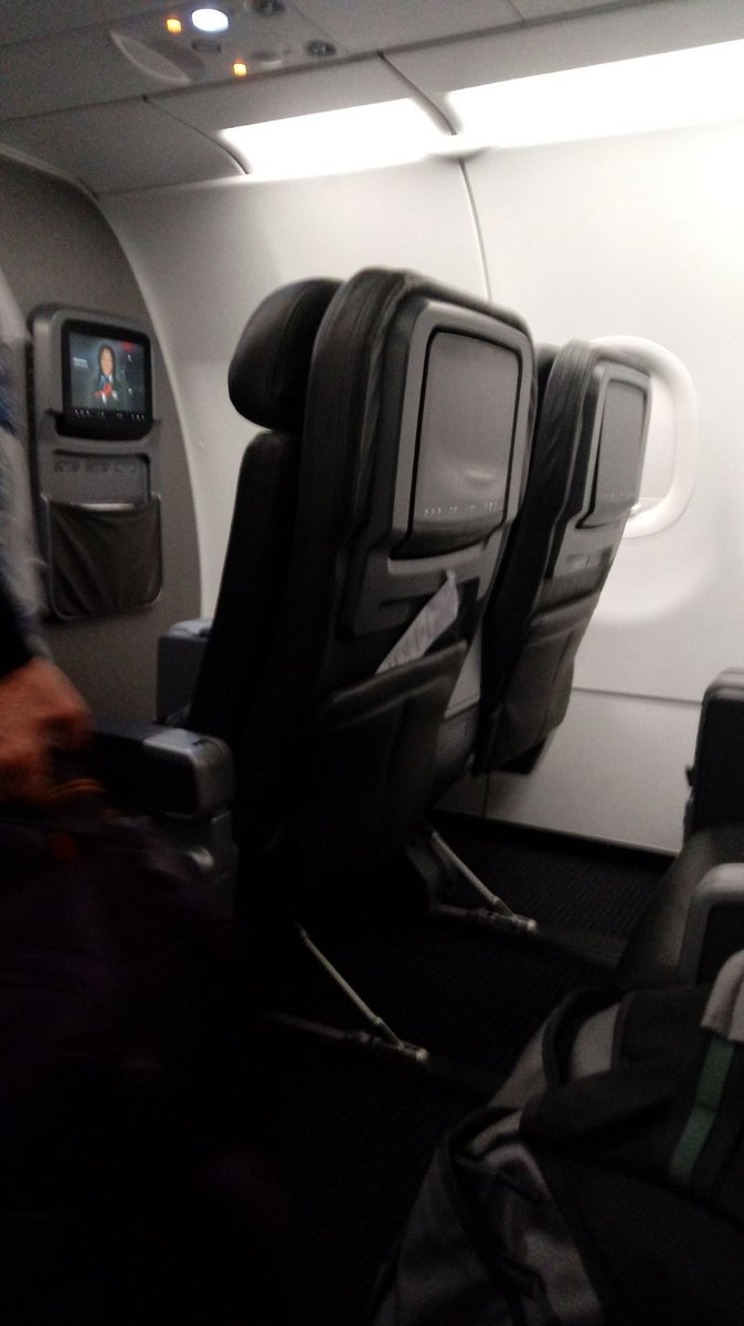 A great #flight with @AmericanAir in #Firstclass from #dallas to #miami  #Airlinereview:  http:// youtripreport.com/report/flight/ 128 &nbsp; …   #avgeek #PaxEx #aa #Review<br>http://pic.twitter.com/7mCVZpqToo