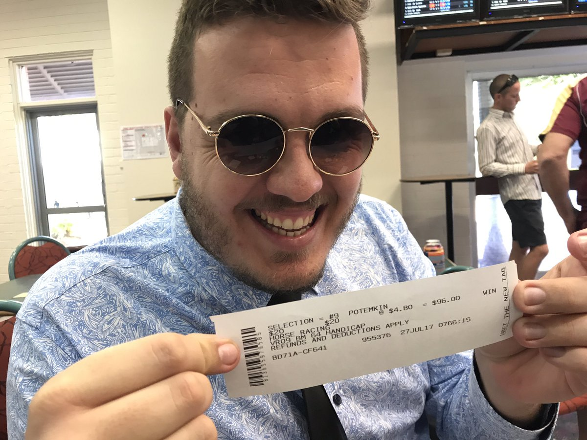 Me to @bigg_showie at the races: &quot;Bet on 5.&quot; He accidentally bets on no.9 at $4.80. 20 on nose. Gets up.  #swag <br>http://pic.twitter.com/Ot09iyNeEE