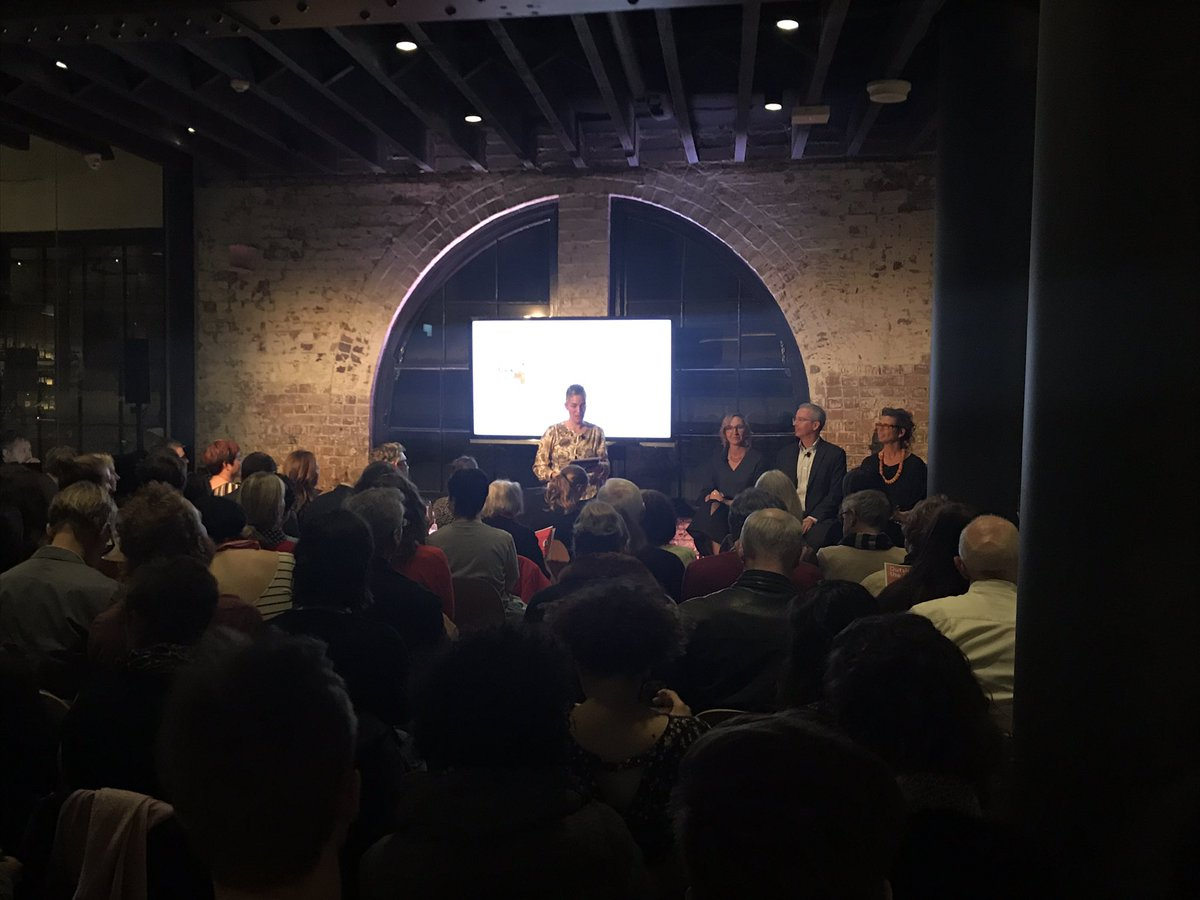 A full house tonight at #outsideusyd with @arjagose @alana_mann @DSchlosberg why does the #environmental crisis persist? @SEI_Sydney<br>http://pic.twitter.com/UMCkob7Axk