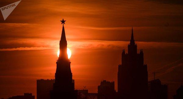 Le Kremlin envisagerait d'expulser 35 diplomates US et de saisir des biens immobi.. https://t.co/6mPKFSF7Wz