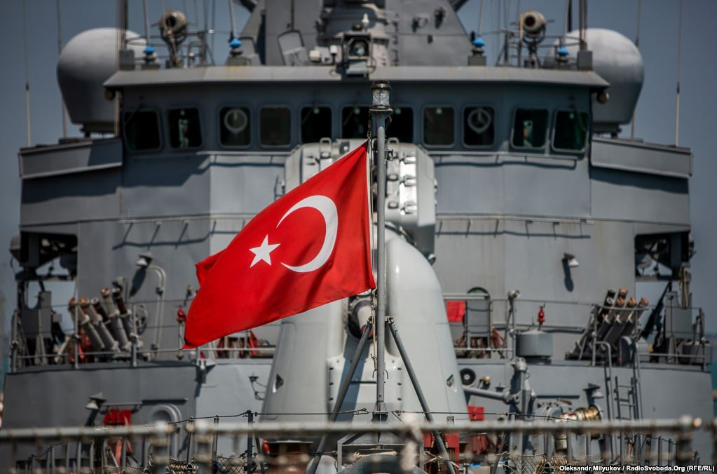 СМИ: Турция закрыла Босфор для кораблей НАТО