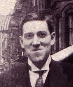 #HPLovecraft produced many stories of the weird &amp; macabre but much of his fiction is a celebration of #Wonder:  https://www. hippocampuspress.com/journals/lovec raft-annual/lovecraft-annual-no.-11-2017 &nbsp; … <br>http://pic.twitter.com/MEG83gIRpC