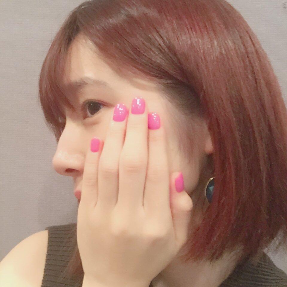 ネイルと髪をピンクにしました。やはり暖色が好きね。💅 pic.twitter.com/sXcPztvbjn
