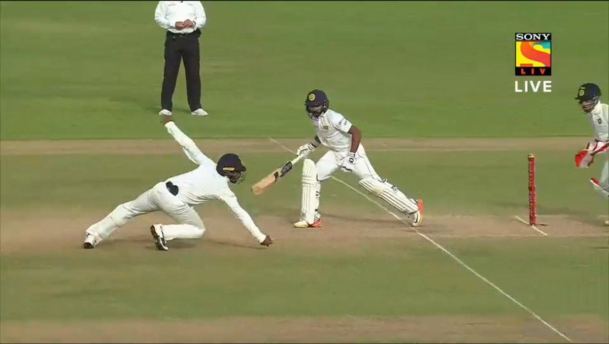 Abhinav Mukund's spectacular catch to dismiss Niroshan Dickwella on Friday. (Image credit: Screengrab/Sony Liv)