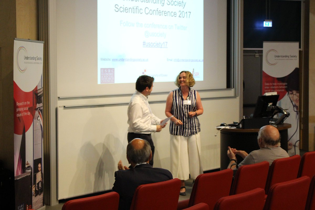 Our Understanding Society Paper Prize was awarded to @ItsGregThomas - read about his research here  https://www. understandingsociety.ac.uk/2017/07/27/pri ze-conference &nbsp; …  #usociety17 @ESRC<br>http://pic.twitter.com/tBa8eedDlP
