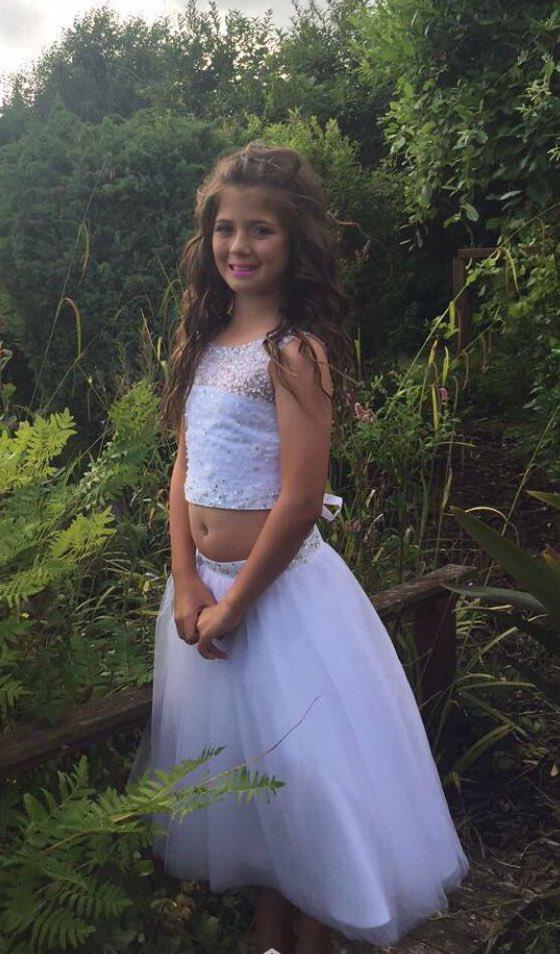 My little BethyBoo ready for #prom year 6 leavers #kissmekateangel<br>http://pic.twitter.com/mGTxHOPHok