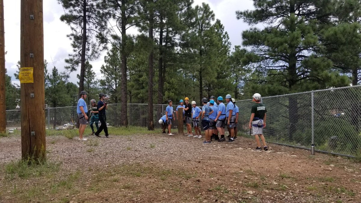 Senior Retreat #classof2018 Just about to start their 1st task to solve. NOW, ultimate test of #trust #GREAT #youngmen @Dv_skyhawks<br>http://pic.twitter.com/AdYE7wCUG0