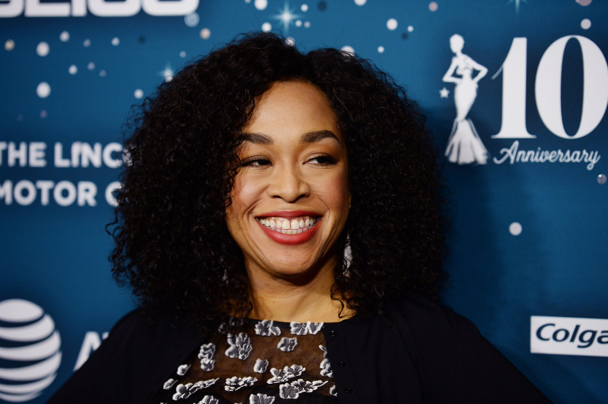 Shonda Rhimes Flawlessly Explains How She Was Treated After Losing 100 Pounds https://t.co/w8yRoxfXce https://t.co/lpE2AFm0no